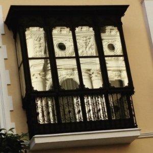¿Qué ver en Huelva?-Fachada de las Conchas