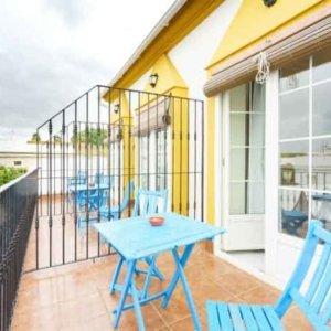 Habitacion-con-Terraza-y-vistas-Huelva-Hostal-Ciudad-Trigueros-Andalucia